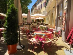 Al Fresco Dining in Cotignac (Chez Corinne Hugou)